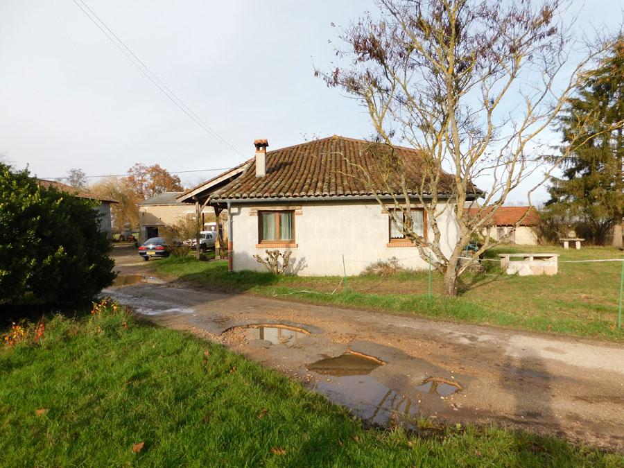 vente maison BOURG EN BRESSE 01000 CORPS DE FERME A VOCATION EQUESTRE